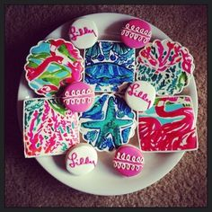 Lilly Pulitzer Inspired Cookies by ShopCookieCouture on Etsy Birthday Cookies, Cupcake Cookies, Sugar Cookies, Cupcakes, Yummy Cookies, Party Like Gatsby, Estilo Preppy, A Little Party, Down South