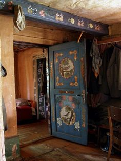 Scandinavian room painting rosemaling and folk art decor Home Design Diy, Norwegian Rosemaling, B 13, Floating, Hemnes, Painted Doors, Painted Beams, Wood Doors, Hand Painted Furniture