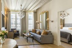 This beautiful and fully remodeled one bedroom rental overlooks peaceful Place Dauphine on the Ile de la Cité island in the heart of Paris.