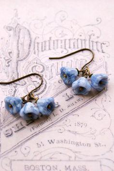 Violet. petite flower earrings. Tiedupmemories