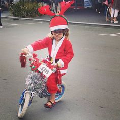 Miss 4 got 3rd in the bike decorating competition at the Taradale Village 130th Anniversary Day celebrations on the weekend!