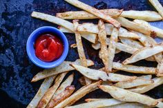 Make and share this Zesty Oven Baked Fries recipe from Genius Kitchen. Oven Baked Fries, Fries In The Oven, Diner Recipes, Potluck Recipes, Easy Pasta Salad Recipe, Vegetarian Bake, Fries Recipe, Baked Chicken Recipes, Potato Recipes