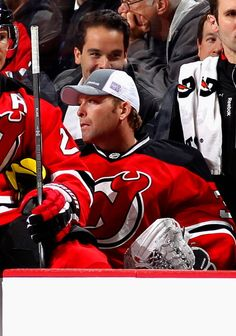 Martin Brodeur of the New Jersey Devils, wears his the #HockeyFightsCancer hat.