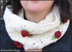 Ravelry: Rosewood Cowl pattern by DeviousRose, crochet