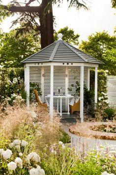 3 tapaa tehdä puutarhasta romanttinen - 3 ways to make your garden  romantic Text Heidi Haapalahti, photos A-lehtien kuva-arkisto www.viherpiha.fi