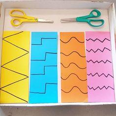 Öva på att klippa med sax ✂️ Aktivitetslåda i skokartong. Olika mönster och färger. Finmotorik. . . . #kreativabarn #förskola #preschool #material #klippa #sax #lärmiljöer #förskollärare #preschoolteacher #finemotorskills #finmotorik