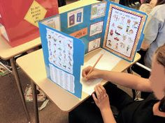 Writing work folders...a good alternative to a writing center place in the classroom.