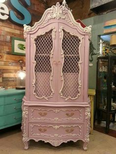 vintage furniture Annie sloan painted furniture henrietta ideas for 2019 Annie Sloan Painted Furniture, Pink Furniture, Annie Sloan Paints, Refurbished Furniture, Upcycled Furniture, Shabby Chic Furniture, Furniture Projects, Furniture Makeover, Vintage Furniture
