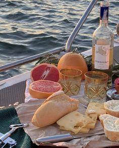 Picnic Date, Tasty, Yummy Food, Snacks Für Party, Aesthetic Food, Summer Time, Summer Dream, Summer Paradise, Summer Sun