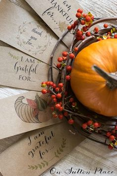 Thanksgiving Paper Chain Printable   The perfect easy craft to countdown the days until Thanksgiving. Free printable provided. Just cut and tape.