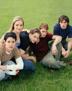 Young Americans - I didn't think this show could last for years but at least, a complete first season would have been cool. Young Americans, At Least, Seasons, Couple Photos, Couples, Book, The Outsiders, Seasons Of The Year, Books