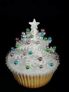 Sparkly White Snowflake Christmas Tree Cupcake. How do I make it?