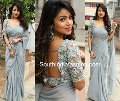 Bhavya in a plain saree and designer blouse saree & blouse Saree Blouse Neck Designs, Fancy Blouse Designs, Sari Bluse, Indische Sarees, Saree Jackets, Modern Saree, Sari Design, Plain Saree, Stylish Blouse Design