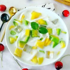 Sweet Recipes, Snack Recipes, Snacks, Food N, Food And Drink, Around The World Food, Appetizer Salads, Indonesian Food, Aesthetic Food