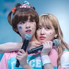 Omg! My fav roommate couple in the worldi love the way momo clingy and snaking w jeong. And how jeong react to her affectionJEONGMO! . #jeongmo #twicecoasterlane2 #knockknock #TWICE #트와이스 #ONCE #원스 #Likeoohahh #cheerup #TT #yoojeongyeon #jeongyeon #지효 #jihyo #나연 #nayeon #정연 #jeongyeon #모모 #momo #사나 #sana #미나 #mina #채영 #chaeyoung #쯔위 #tzuyu #다현 #dahyun