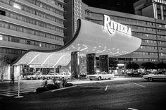 The Rivera- I love Vegas now but I'm sad to see the old place brought down. Las Vegas Love, Las Vegas Strip, Las Vegas Nevada, Vegas Casino, Riviera Hotel Las Vegas, Old Vegas, Hotel Secrets, Bangkok Thailand, Fotografia