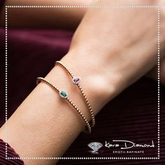Indian Jewelry Earrings, Real Gold Jewelry, Gold Jewelry Simple, Gold Bangles Design, Gold Jewellery Design, Solid Gold Bangle, Gold Mangalsutra Designs, Bracelets, Gold Choker Necklace
