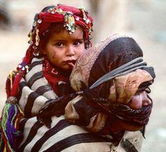 Africa | Ait Haddidu Berber mother and daughter. High Atlas Mountains, Morocco.  (1967) | ©Victor Englebert