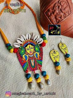 Ideas for jewerly drawing ideas polymer clay Diy Jewelry Set, Diy Jewelry Making, Clay Jewelry, Jewelry Crafts, Silver Jewelry, Thread Jewellery, Textile Jewelry, Fabric Jewelry, Diy Jewellery