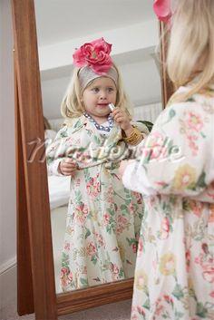 Gala Dresses, Nice Dresses, Flower Girl Dresses, Wedding Dresses, Girls Be Like, Little Girls, Toddler Pictures, Girls Tea Party, Putting On Makeup