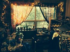 Lovely and such a sweet room. Great for a cup of tea, a book and snuggling. Love.