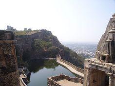 Индийский форт Читторгарх