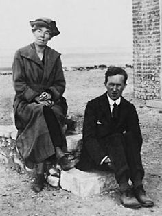 Gertrude Bell and T.E. Lawrence in Egypt, 1921.
