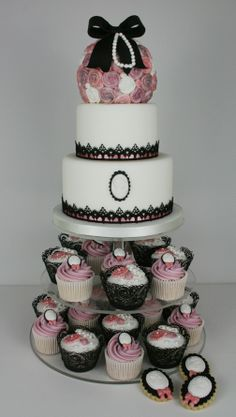 Traditional tiered wedding cake over cupcakes (could be groom themed). Victorian Wedding Cakes, Kissing Ball, Masquerade Ball, Style And Grace, Beautiful Cakes, Cake Ideas, Fondant, Whimsical, Groom