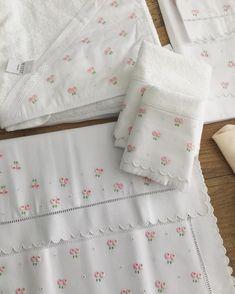Enxoval especial para bebês com bordados! Para informações entrem em contato com nossa equipe no whatsapp (18) 991198935