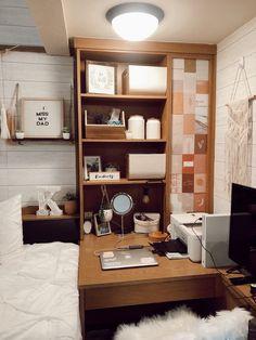 College Bedroom Decor, College Room, Texas Tech Dorm, Collage Dorm Room, University Rooms, College Dorm Essentials, Dorm Ideas, Awesome Bedrooms, Dream Rooms
