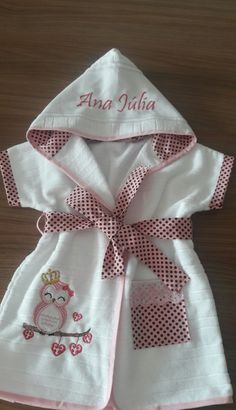 {Customary and custom baby dress, provides the best solution. Baby Dress Patterns, Baby Sewing Projects, Kids Wear, Kids And Parenting, Baby Love, Baby Knitting, Doll Clothes, Baby Kids, Kids Fashion
