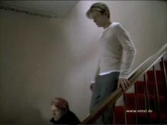 David Bowie VITTEL Werbespot deutsch Commercial Spot 2003 Liedtext im Werbespot: And I'm running down the street of life And I'm never gonna get to die And I. David Bowie, Spots, Tv Commercials, The Good Old Days, Alter, The Man, Love, Youtube, Earth