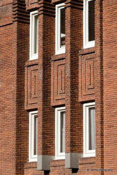 Surinameplein, Amsterdam | Wendingen ~ Platform voor de Amsterdamse School Amsterdam School, Brickwork, Art Deco, Architecture, Creative, Tips, House, Design, Decor