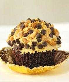 Chocolate Peanut Butter Crunch Cupcakes