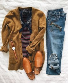 How To Wear The Clothes That Make You Look Your Best – Designer Fashion Tips Mode Outfits, Casual Outfits, Fashion Outfits, Rustic Outfits, Womens Fashion, Fashion Ideas, Casual Jeans, Ladies Fashion, Runway Fashion