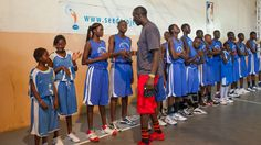 Born in Senegal, N'Diaye went to the United States thanks to SEEDS, a Senegalese academy that gives teenagers the opportunity to study and play basketball. Last summer, N'Diaye and his Washington teammates visited SEEDS to offer advice to its young students.