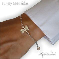 ea2671650429 Pulsera KIDS figura niña en plata de ley grabada personalizada con el nombre.   joyasquehablandeti