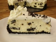This Cookies and Cream Cheesecake is a creamy cheesecake studded with Oreo cookies and topped with a homemade whipped cream topping. A delicious cheesecake that will surely impress.