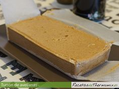 Turrón de avellanas con Thermomix Bread Machine Recipes, Chocolate Decorations, Food N, Let Them Eat Cake, My Recipes, Cornbread, Mousse, Donuts, Sweets