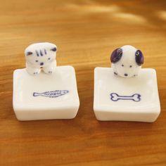 knickknacks cats and dogs chopsticks holder