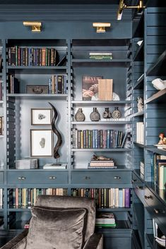 all blue home office design // brass sconce lights // built in shelves Home Library Design, Home Office Design, Home Interior Design, House Design, Interior Modern, Bookshelf Styling, Bookshelves, Interior Minimalista, Home Libraries