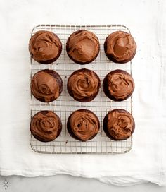 vegan chocOlate cupcakes avocado frosting