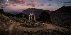 Los griegos creían que los dioses influían en todos los aspectos de la existencia; en los cielos, sobre la tierra y en el inframundo