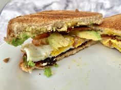 Bacon, Avocado and Egg Breakfast Sandwich – Add Recipes What's For Breakfast, Breakfast Dishes, Breakfast Casserole, Breakfast Recipes, Avacado Breakfast, Breakfast Sandwiches, Muffin Recipes, Bacon Avocado, Avocado Recipes