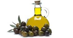 Olive Oil - Improves elasticity Conditions the hair and scalp Penetrates the hair shaft to retain moisture Olive Oil Uses, Olive Oils, Olive Oil Benefits, Oils For Dandruff, Tea Tree Oil For Acne, Coconut Oil For Acne, Peanut Oil, Best Oils, Olive Tree