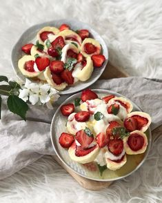 Czech Recipes, Ethnic Recipes, Central Europe, Sweet And Salty, Caprese Salad, Bruschetta, Table, Tables, Desk