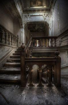 abandonedworldstumblr_m6i2hd6u3V1qm29cgo1_500