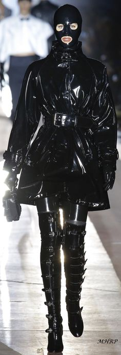 Ideas Fashion Show Ideas Runway Beauty For 2019 Runway Fashion, Trendy Fashion, Fashion Models, Fashion Show, Fashion Design, Fetish Fashion, Latex Fashion, Fashion Mask, Rain Wear