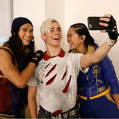 #CameronBoyce (@thecameronboyce), #DianneDoan (@dianneldoan), #SofiaCarson (@sofiacarson), #DoveCameron (@dovecameron), #ChinaAnneMcClain (@chinamcclain) and #BooBooStewart (@peaks.and.pines) #Descendants2
