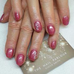 #gel-polish #manicure #pink #glitter #nail-art